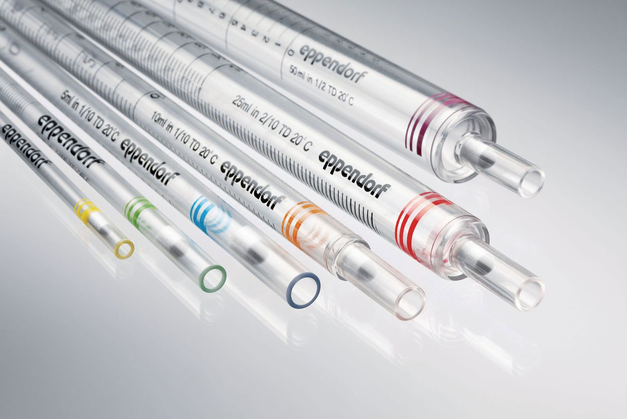 Serological pipettes of different volume sizes and colors by Eppendorf.