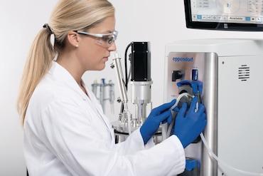Image – BioFlo 320 pump detail