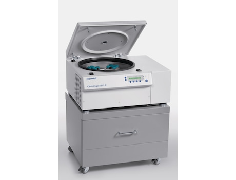 Image – Centrifuge 5810 R positioned on a rolling cabinet