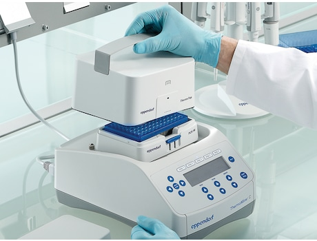 Eppendorf ThermoMixer C with ThemoTop for enhanced temperature accuracy and less condensation within sample tubes
