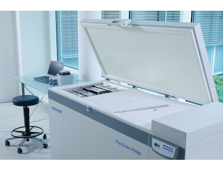 <B>Eppendorf CryoCube FC660h</B> Ultralow temperature chest freezer (ULT) for longterm storage of sample, open main lid and sample documentation system