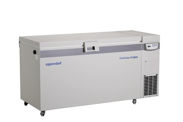 Eppendorf CryoCube FC660h chest ULT freezer with green cooling liquids and with closed lid